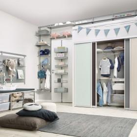 Шкафы-купе в детской комнате