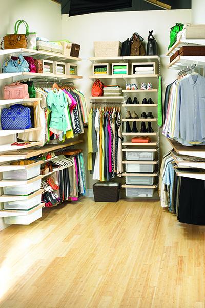 Хранение обуви в гардеробных комнатах Elfa
