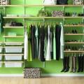 Кронштейн наклонний - Застосування в гардеробній
