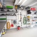 Декоративна вставка в направляючі - Застосування в гаражe