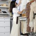 Висувний вішак  під сітчату полицю - Застосування в спальні