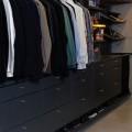 Наклонная полка 60 см, графит - Применение в гардеробной