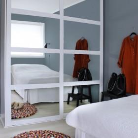 Гардеробная система Elfa в спальне